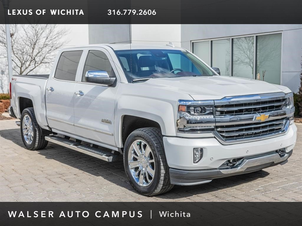 Pre-Owned 2017 Chevrolet Silverado 1500 Navigation