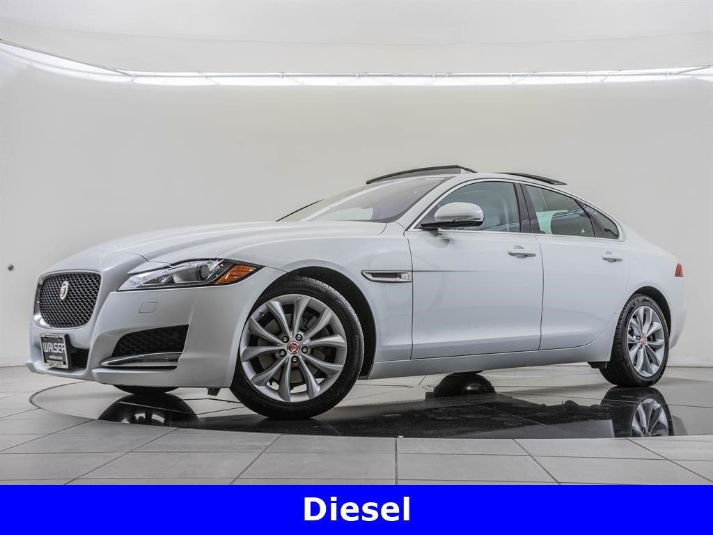 Pre-Owned 2017 Jaguar XF Cold Weather Package