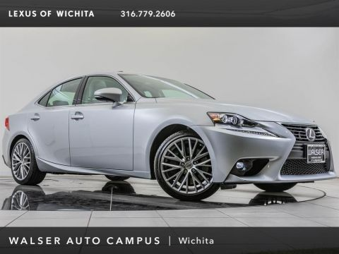 Pre-Owned 2016 Lexus IS 200t Navigation, 18-inch Wheels